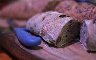 טבלת קלוריות לחם ודגנים